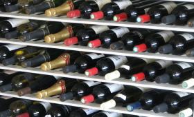 Vino contraffatto, sequestrati 160 mila litri di finto Brunello di Montalcino