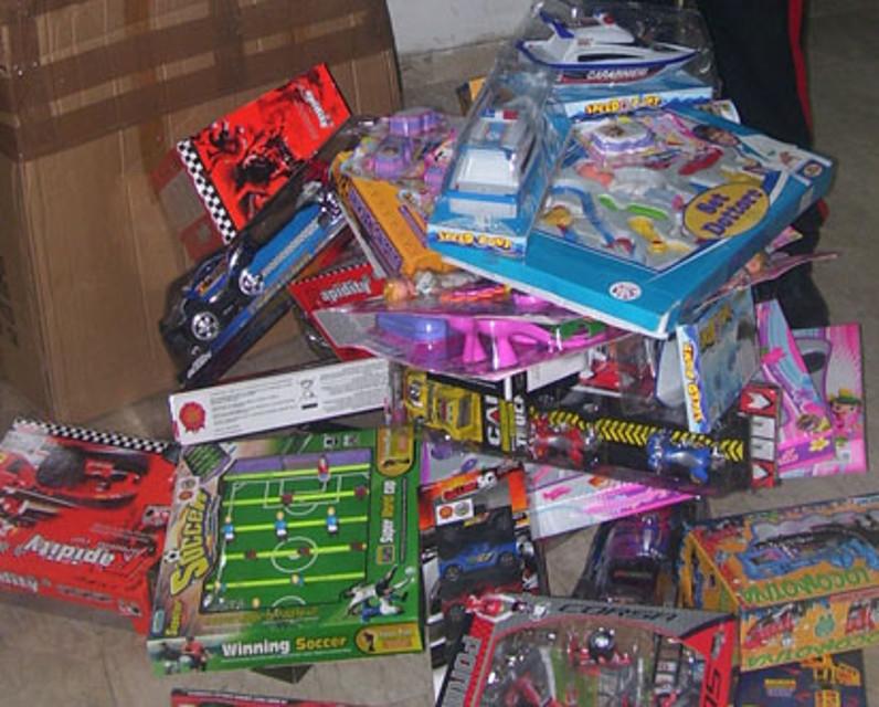 giocattoli contraffatti sequestrati