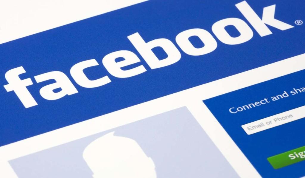 Pubblicare su Facebook le foto dei figli: ecco i rischi. Fonte foto: wired.com