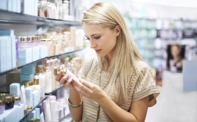 Cosmetici, occhio all'etichetta: ecco cosa bisogna sapere