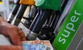 Distributore di benzina con frode, mezzo litro sottratto ogni venti